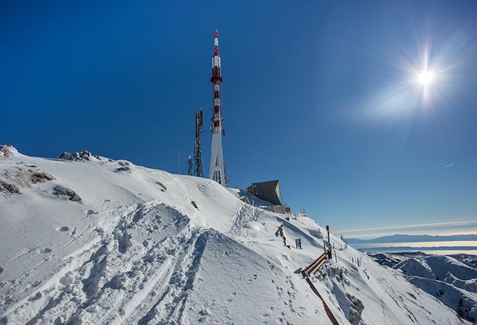 Broadband Wireless Terminal Poles