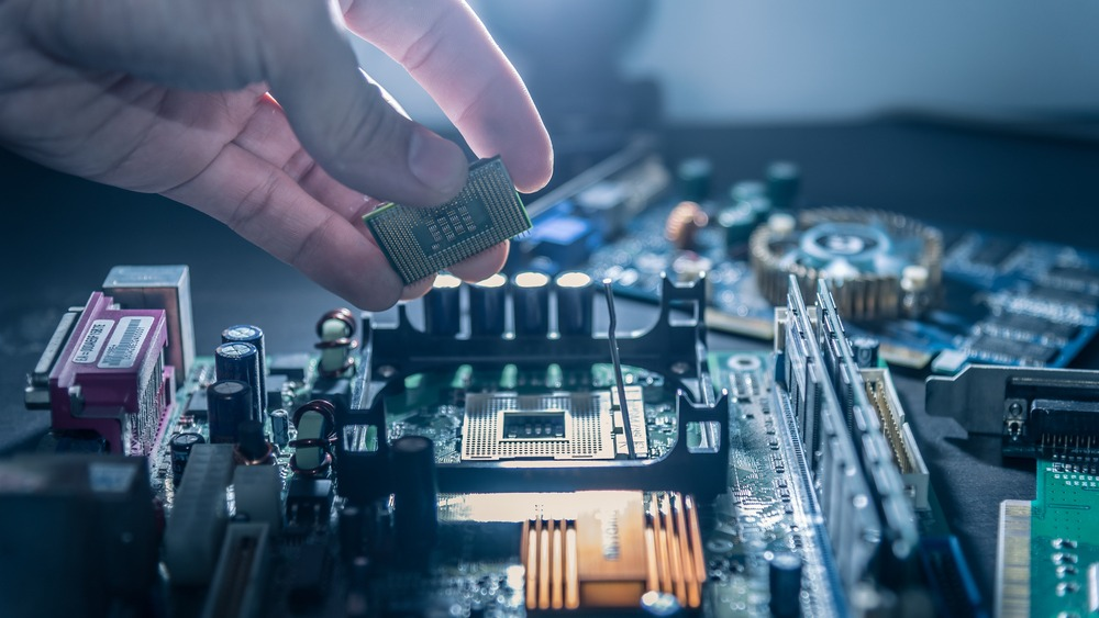 Power Electronics Lab - shutterstock_647656945